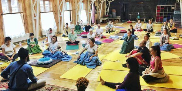Практика йоги для живота